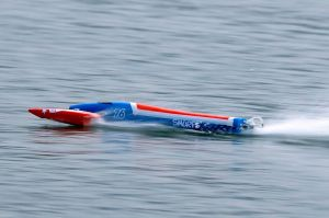 TFL Arrow Outrigger Rc Boat : ARTR