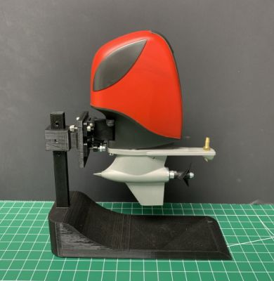 Scale Sevan Outboard with Metal Lower Unit: Red/Black